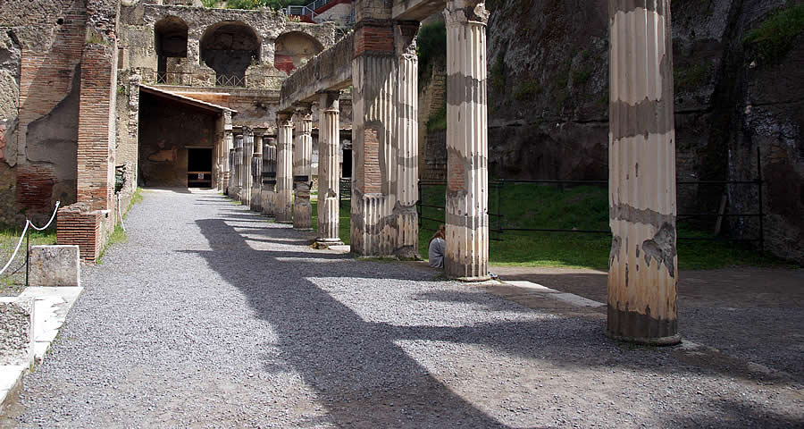 Herculaneum day trip summer Italian holiday private accommodation