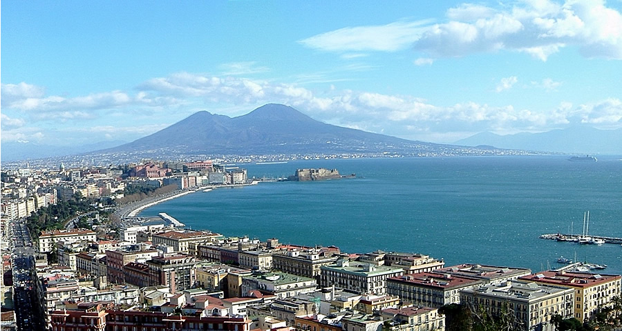 Naples Italian holiday summer beach private home family day trip