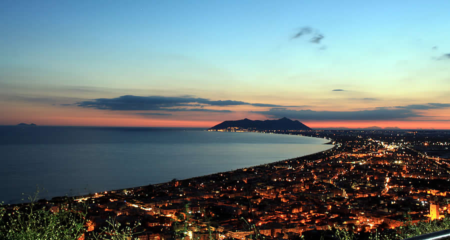 Terracina evening tours restaurants ice cream events real Italian vacation